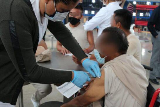 Población penitenciaria de Oaxaca, vacunada en su totalidad contra COVID-19