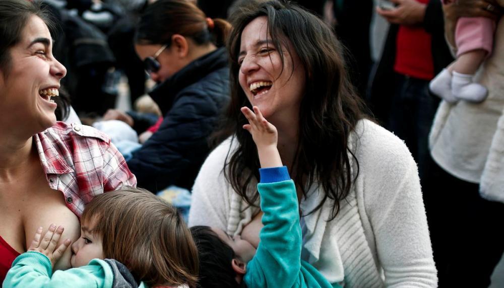 Mujeres podrán amamantar en público en cualquier sitio sin prohibiciones o restricciones en México