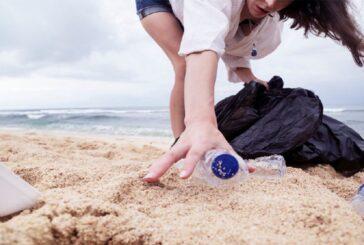 Realizan limpieza de playas de Puerto Escondido, Oaxaca