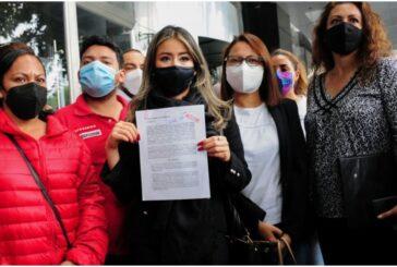 Padres de niños con cáncer presentan denuncia en la FGR contra López-Gatell