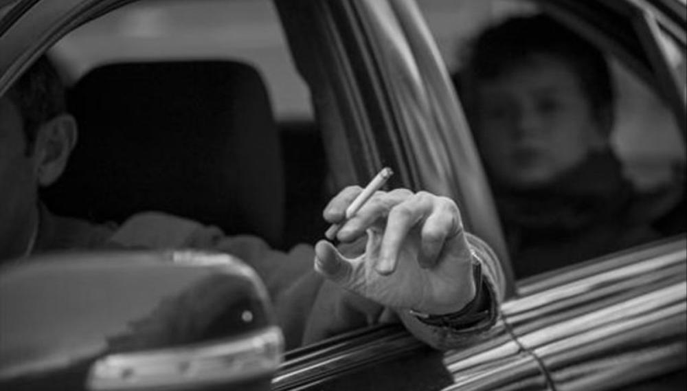 Congreso de Oaxaca prohíbe fumar en el transporte público y autos particulares donde viajen niños