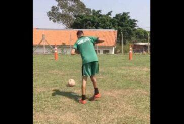 '¡Nunca serás futbolista!, ¡Nunca!', le dijeron, Conmovedor video de un joven con discapacidad